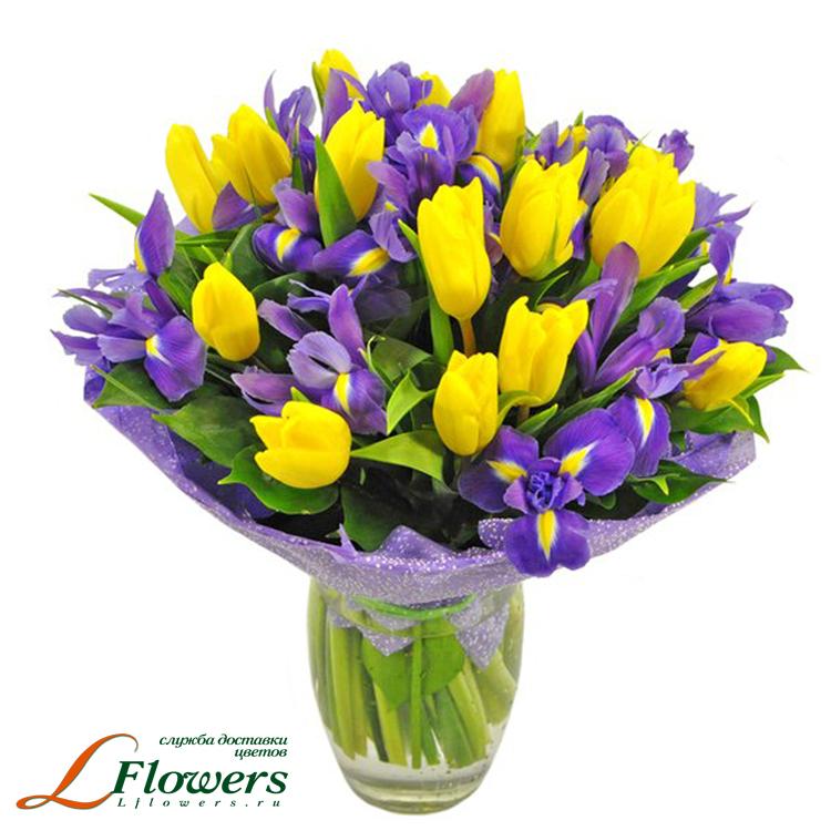 Букет из ирисов и тюльпанов 97