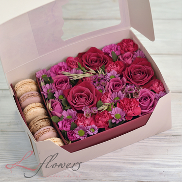 Macaroon boxes - Raspberry box - букеты в СПб