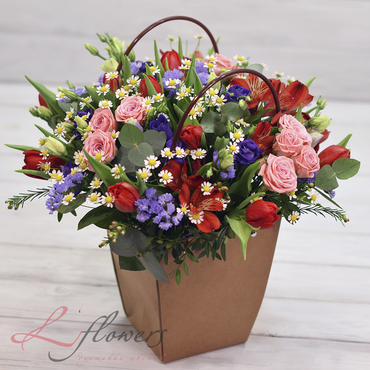 Flowers baskets - Little red ridding hood - букеты в СПб