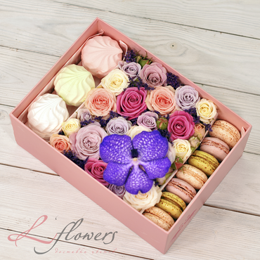 Macaroon boxes - Lovely box - букеты в СПб