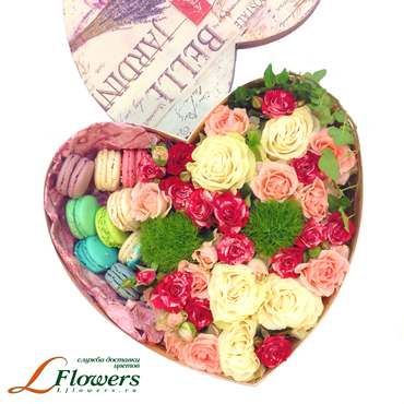 Macaroon boxes - Sweet Heart box - букеты в СПб